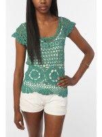 Top crochet con detalles circulares