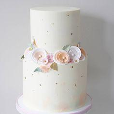 Love these gumpaste flowers made with paper flower technique. . . . #firstbirthday #bostoncakes #boston #newenglandwedding #bostonweddings #buttercream #paperflowers #sugarflowers #customcakes #weddingcake #kidscake #instacake #buttercream #cakedecorating #cakeandice #cupcakeproject #wiltoncakes #wildone #cakesafe #bostonbakery #babyshower #babygirl
