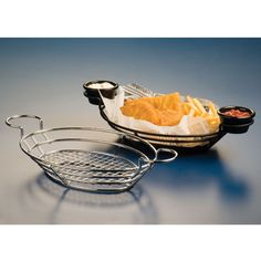 American Metalcraft Chrome Oblong Wire Basket with Ramekin Holders - x x 3 Dark Home Decor, Commercial Kitchen Equipment, American Metalcraft, Sandwich Shops, Burger And Fries, Wire Baskets, Food Baskets, Restaurant Equipment, Freshly Baked