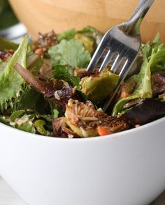 Roasted Brussels Sprout Salad | Mmmm, This Roasted Brussel Sprout Salad Is Calling Your Name - https://www.buzzfeed.com/tlo27/this-roasted-brussels-sprouts-salad-will-make-you-feel-fancy