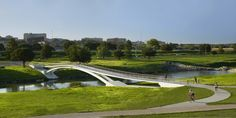 Galeria - Phyllis J. Tilley Memorial Bridge / Rosales   Partners Architects - 61