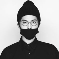 """Mad Clown has become a blockbuster rapper after achieving an all-kill on 10 music charts with """"Fire."""" His third mini album, """"Piece of Mine"""" featuring the title song """"Fire,"""" was released on January 9 and has quickly moved up to first place on many music charts including Melon, Mnet, Genie, Soribada, ..."""
