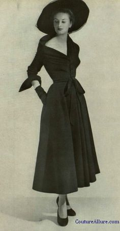 Dior, 1948. wrapped top - inspiration for 70s draping. thinking large, over scaled folds for 2015/16