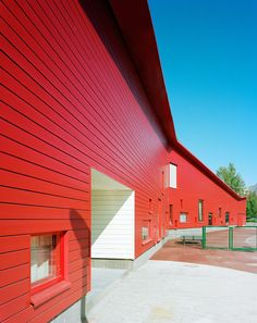 """The Ajurinmäki Daycare Center is situated in the district of Leppävaara in Espoo. The building comprises three separate """"home areas"""" for different groups within the children's daycare centre, as well as an open door daycare centre. The rear of"""