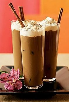 Iced Vanilla Coffee Milk by south beach diet: 50 calories. Made with decaf coffee, fat free milk, fat free whipped dessert topping, vanilla extract and cinnamon. Coffee Milk, Iced Coffee, Decaf Coffee, Cinnamon Coffee, Iced Mocha, Coffee Dessert, Coffee Drinks, Coffee Vodka, Coffee Break