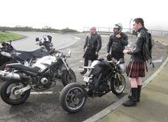 A kilt and a motorcycle go together beautifully Hot Scottish Men, Scottish People, Scottish Kilts, Leather Kilt, Tartan, Plaid, Cherokee Woman, Men In Kilts, Grown Man