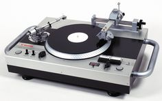 Uniquely approaching the art of vinyl recording, the Vestax VRX-2000 allows experienced professional users the ability to easily and accurately produce classic vinyl with acoustic warmth and a durable quality similar to that of commercially cut vinyl.