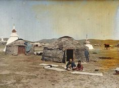 Albert Kahn - Mongolia photos - Art and design inspiration from around the world - CreativeRoots Photo Restaurant, Mongolian Yurt, Albert Kahn, What The World, World Cultures, Vintage Photographs, Vintage Images, Color Photography, Old Photos