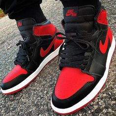 #JordanAddict Bred 1's via @chinnie13. ⠀⠀⠀⠀⠀⠀⠀⠀⠀ #wearejordan #iloveswoosh #kickstag #jordansdaily #jordandepot #todayskicks #sneakeraddict #kotd #airjordan #sneakerhead #the_perfect_pair #wdywt #jumpman23 #solecollector #kicksonfire #nicekicks