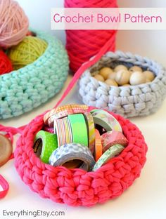 Free Crochet Bowl Pattern {Get Organized} - These are so easy to make! EverythingEtsy.com #crochet #pattern #diy