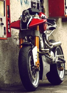 .A superbike but no side stand, just needs a wall to go with it.