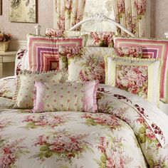 Rosemoor Comforter Set Light Cream