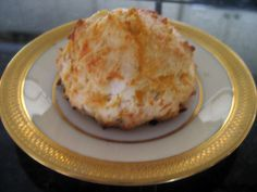 Red Lobster Cheddar Bay Biscuits Recipe Excellent and easy, will definitely keep this recipe! Easter Recipes, Appetizer Recipes, Snack Recipes, Appetizers, Red Lobster Cheddar Bay Biscuits Recipe, Great Recipes, Favorite Recipes, Dinner Side Dishes, Savory Breakfast
