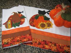 Lindo pano de copa,bordado,com aplicações,tecidos nacionais e importados! R$30,00