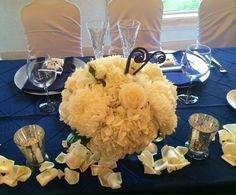 Wedding Reception Head table flowers in white. #mancusosweddings.com #Wedding #Flowers #Detroit #Michigan #Florist