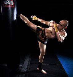 Muay Thai  Roundhouse Kick #fitness #muaythai #roundhousekick
