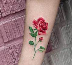 21 Botanical Tattoo Designs You& About To Be Obsessed With Girly Tattoos, Mini Tattoos, Rose Tattoos, Flower Tattoos, Body Art Tattoos, New Tattoos, Small Tattoos, Sleeve Tattoos, Geniale Tattoos