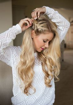 Side braid hairstyle Looking for easy braided no-heat hairstyles? From a stylish side french braid to a romantic braided bun, these easy heatless hairstyles for long or short hair blend casual chic with an elegant look! Side Braid Hairstyles, No Heat Hairstyles, Braided Hairstyles Tutorials, Holiday Hairstyles, Down Hairstyles, Wedding Hairstyles, Heatless Hairstyles, Hairstyles 2018, Bridesmaid Hairstyles