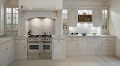 Harvey Jones Original kitchen with range cooker and glazed wall cupboards Bespoke Kitchens, Luxury Kitchens, Home Kitchens, Kitchen Paint, New Kitchen, Kitchen Design, Kitchen Ideas, Kitchen Inspiration, Wall Cupboards