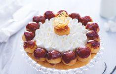 Voici la recette du gâteau Saint Honoré au Thermomix, un grand classique le la pâtisserie française, croquant et fondant à base de pâte feuilletée garnie de crème chiboust, de crème chantilly, et de choux à la crème avec du caramel croquant