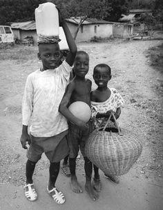 Rene Thirion, MFIAP - Cote d'Ivoire 17/20, 2000