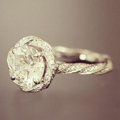 This is my DREAM engagement ring    Gorgeous!