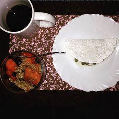 Café da manhã de hoje: tapioca de requeijão  ervilhas  mamão com granola e mel. #emagrecimento #saude #vidasaudavel #comerbem #viverbem #fitness #eacolhas #RA #foconadieta #dieta #reeducao #aprenderacomer #receita #fit #fitness #eueliminandopeso #antesedepois #magra #verao #proteina #foco #meta #objetivo #menos5kg #determinacao #determination #focus #fit by projectmenos10kg http://ift.tt/27GY5mM