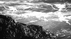 SBARUA - NERO NITIDO Sea in black and white.  Frame by KESE films