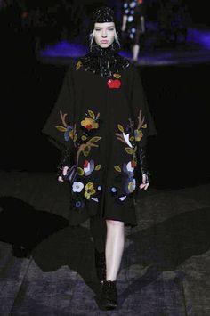 """It"" girl Sasha Luss - Dolce & Gabbana Fall 2014 Ready-to-Wear Collection Slideshow on Style.com"