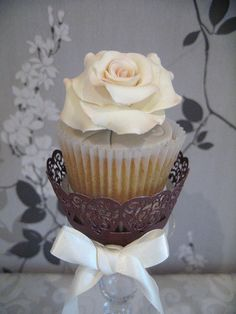 cupcake blog with all sorts of cupcake theme decorating ideas