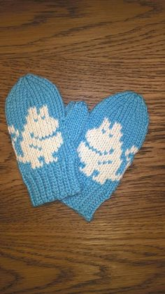 Knitting Patterns Gloves These mittens made a cousin for kids in Britain. They came out with surprise, so I was not sure . Crochet Baby Mittens, Knitted Mittens Pattern, Crochet Baby Blanket Beginner, Knitted Hats Kids, Crochet Baby Booties, Knit Mittens, Knitted Gloves, Knitting For Kids, Knitting Charts