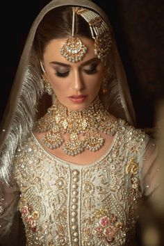 Make to order according to requirements. Make to order according to requirements. 7 to 35 days world-wide delivery. Asian Wedding Dress Pakistani, Pakistani Bridal Jewelry, Desi Wedding Dresses, Pakistani Formal Dresses, Indian Wedding Jewelry, Nikkah Dress, Indian Jewelry Sets, Bridal Jewelry Sets, Bridal Sets