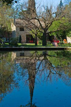 Bassin et jardin  #edouardloubet #maisonsedouardloubet #legalinierdelourmarin #galinier #luberon #myluberon #provence