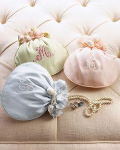 Boas ideias de mimos e vestidos para suas madrinhas ou damas de honra Image: 6
