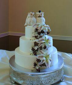 Whoooo likes an Owl Wedding Cake!
