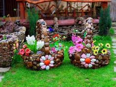 13 DIY Decoration With Rocks to Break The Monotony in The Garden – Top Inspirations backyard landscaping landscaping garden landscaping Garden Crafts, Diy Garden Decor, Garden Projects, Garden Art, Garden Decorations, Garden Ideas, Diy Projects, Landscaping With Rocks, Backyard Landscaping