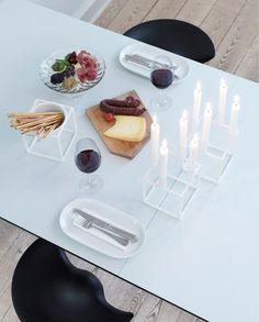zu Tisch... by Lassen