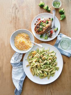 Instead of adding broccoli florets to the pasta, a double serving is incorporated into the creamy sauce. Heat the broccoli and sear the chicken while Best Baked Potato, Baked Potato Recipes, Sweet Potato, Chicken Recipes, Baked Potatoes, Beef Recipes, Broccoli Cheddar Chicken, Broccoli Beef, Broccoli Recipes