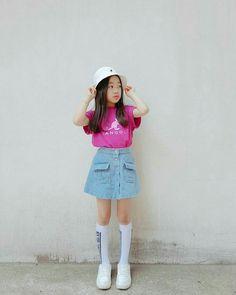 #hat #ha eun Kids Outfits Girls, Cute Outfits For Kids, Girl Outfits, Fashion Outfits, Korean Airport Fashion, Korean Girl Fashion, Kids Fashion, Na Haeun, Girl Korea