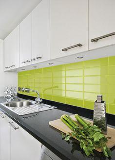 New model kitchen kitchen interior design green for Azulejos de cocina de loza