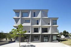 Burntwood School London, budynek wygrał nagrodę Stirlinga (2015) przyznawaną obiektom, które mają największy udział w rozwoju architektury,© Rob Parrish