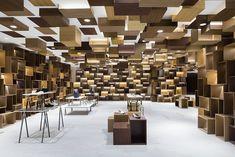 London Design Festival: The Must Stops Showroom Design, Office Interior Design, Retail Interior, Cool Lighting, Lighting Stores, Ceiling Lighting, Industrial Lighting, Lighting Ideas, Lighting Design