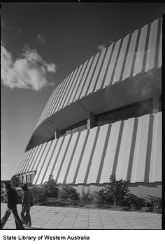 160291PD: Perth Entertainment Centre, 1975. Entrance to Academy Cinemas