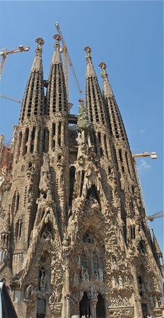 188 Best Antoni Gaudi