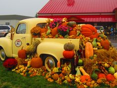 Gorgeous fall design outside Troyers Market, Berlin, OH
