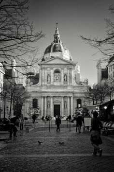 La Sorbonne university located at the Sorbonne Square in the Latin Quarter, in Paris, France. Ile Saint Louis, St Louis, Amazing Places, Beautiful Places, Latin Quarter, What A Beautiful World, France, Brussels, God