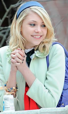 Taylor Momsen As Jenny Humphrey Looking All Sweet And Innocent, 2007