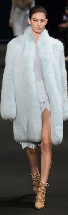 Altuzarra Fall-winter - Ready-to-Wear 2015 Fashion Trends, 2015 Trends, New York Fashion, Chanel Oberlin, Feather Coat, Couture Accessories, Fashion Accessories, Fabulous Furs, Glamour