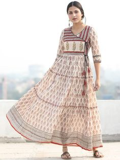Long Dress Design, Dress Neck Designs, Stylish Dress Designs, Stylish Dresses, Baby Frock Pattern, Frock Patterns, Gown Pattern, Cotton Long Dress, Long Gown Dress