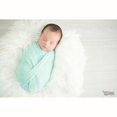 #newbornphotos #Newborn #ensaionewborn #booknewborn #recemnascido #newbornmenino #venhacontarsuahistoria